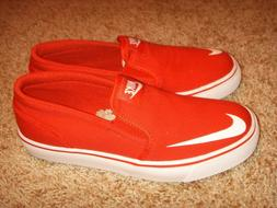 719739 600 red canvas loafer size 5