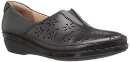 CLARKS Women's Everlay Dairyn Slip-On Loafer, Black Leather,