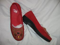 GRAVITY DEFYER SIZE 6.5 M, RED SUEDE LOAFER SHOES, STYLE NAM